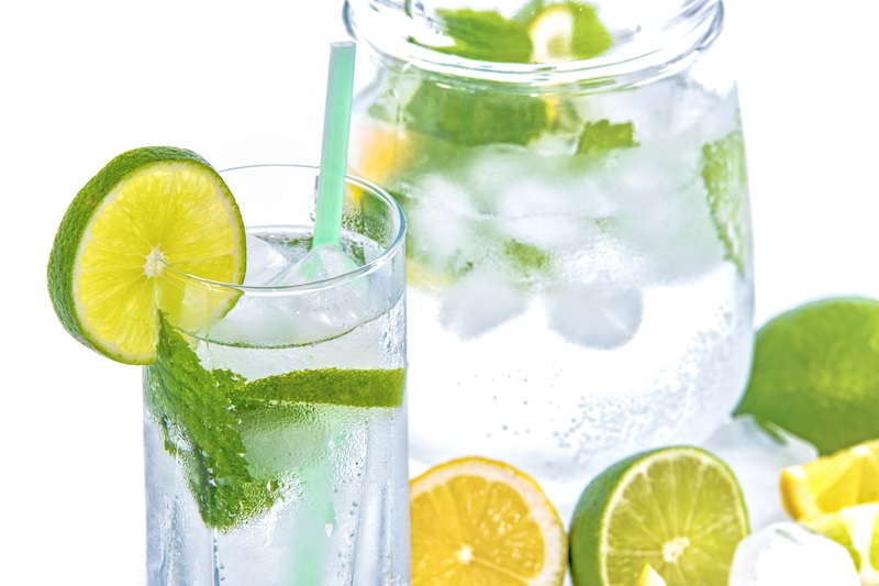 mineral-water-lime-ice-mint